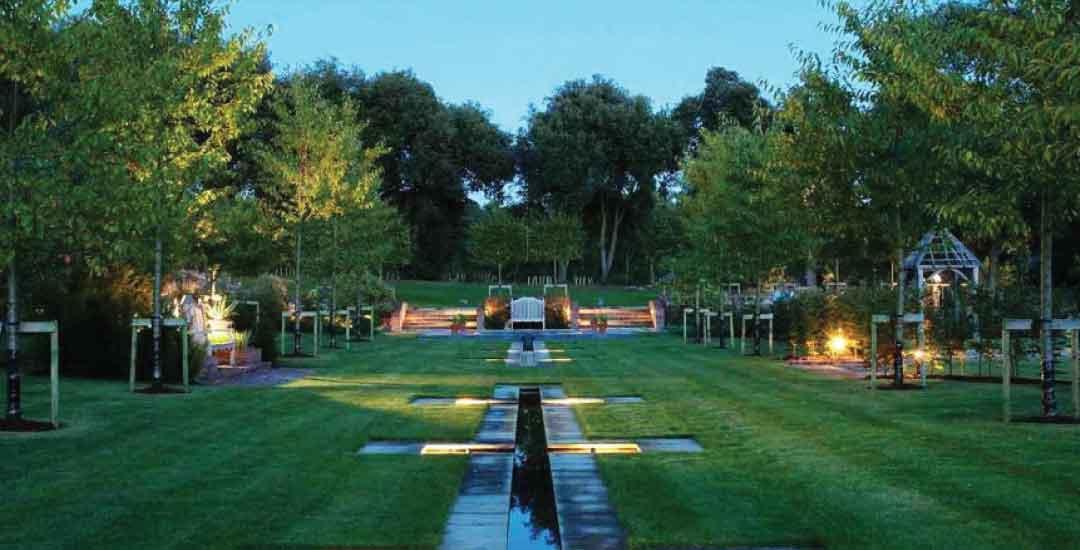 Lampu Taman Sebagai Dekorasi