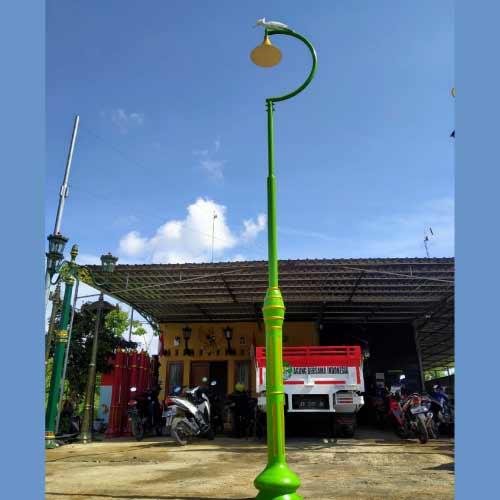 Model Tiang Lampu Untuk Taman