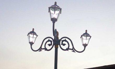 Pembuatan Lampu Jalan Indonesia
