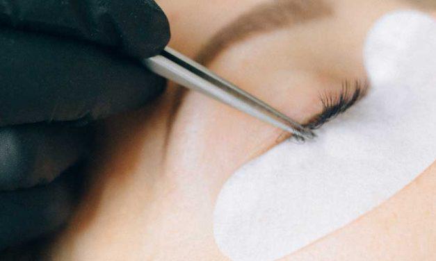 Expert Tips for Removing False Eyelashes